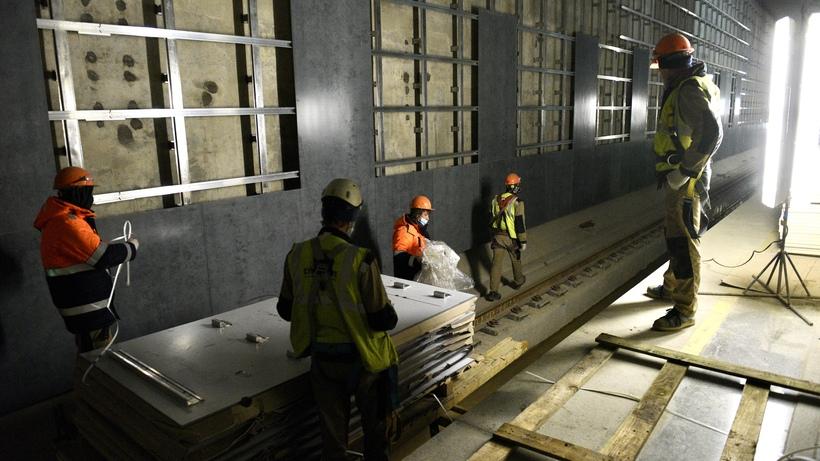 389 проверок провели на строящихся станциях метро в 2020 году