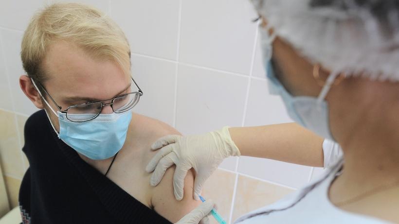 Более 130 тыс человек привились от гриппа в Балашихе