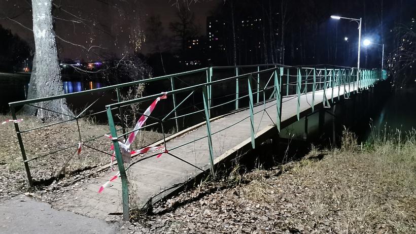 В микрорайоне Климовск Подольска начали ремонтировать мост через реку Петрица