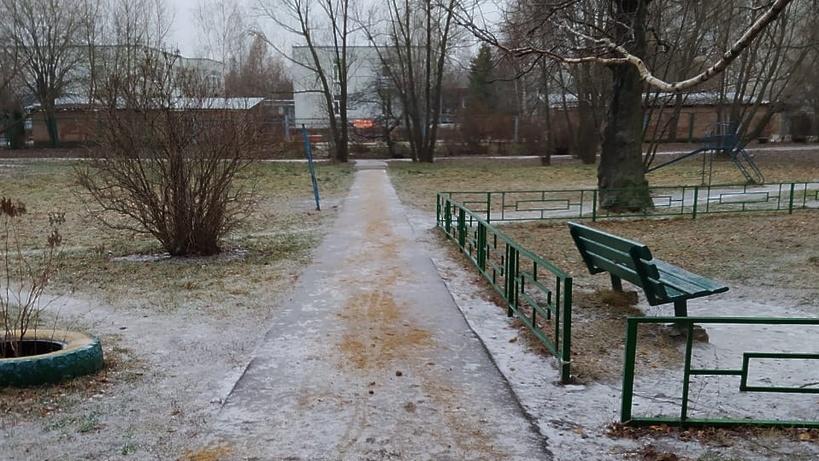 Дворников обязали ежедневно посыпать дорожки в микрорайоне Климовск Подольска песком