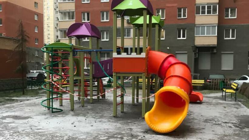 Ряд элементов отремонтировали на детской площадке в Котельниках