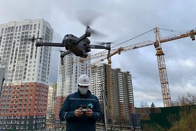 Уровень ковид‑безопасности повысили на стройплощадках Красногорска благодаря дронам