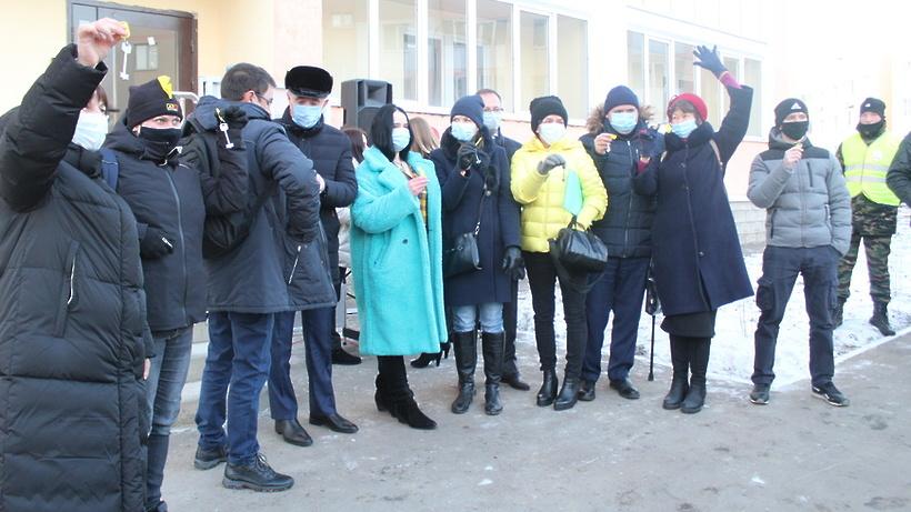 Около 420 дольщиков получили ключи от квартир в ЖК «Томилино» Люберец