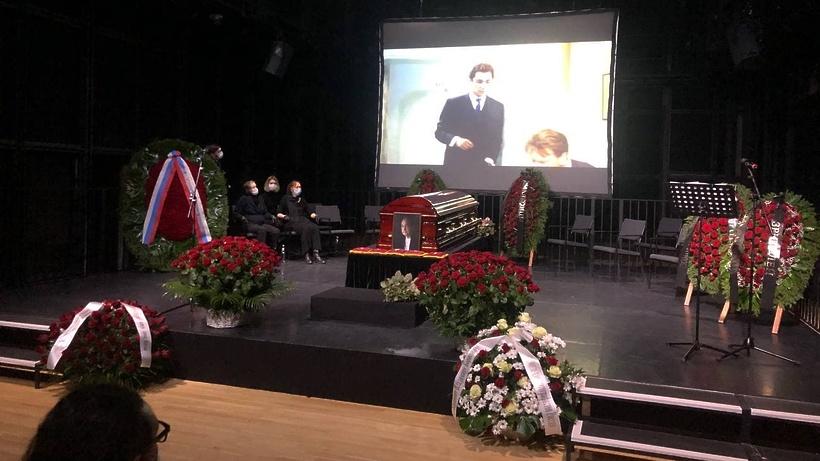 Артиста Владимира Коренева похоронили в Москве