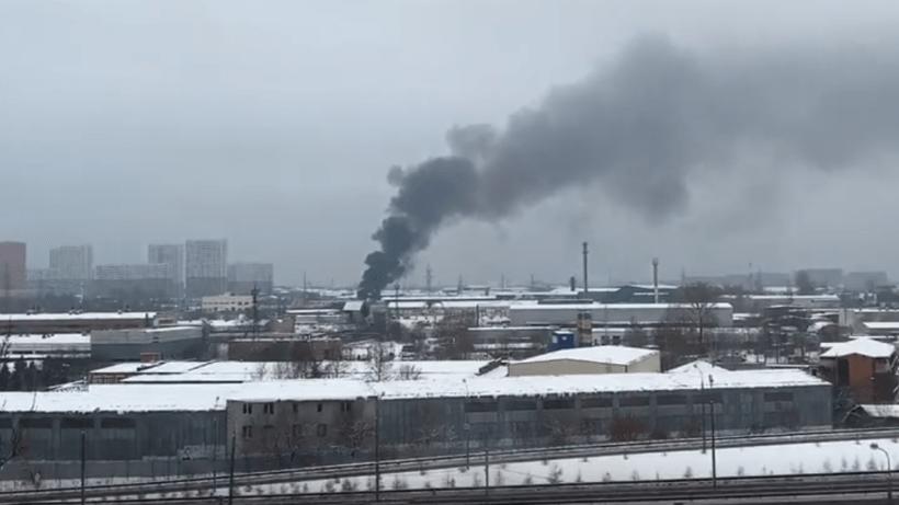 Крупный пожар в хозпостройке в Одинцове. ВИДЕО