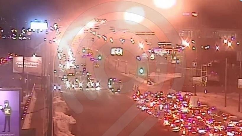 Четыре машины столкнулись на Волгоградском проспекте в Москве