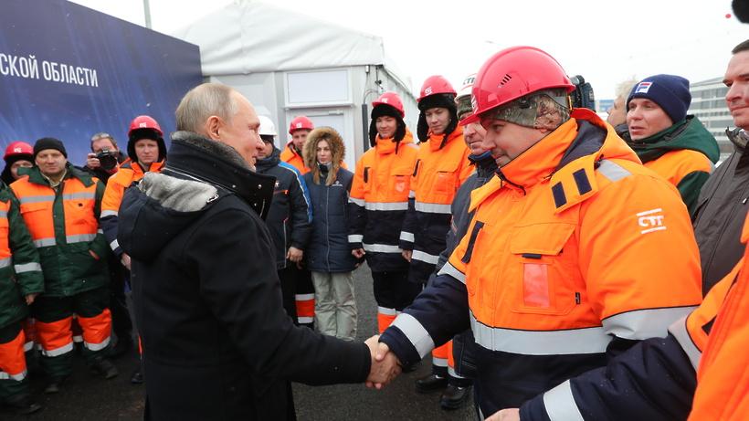 Путин поблагодарил строителей развязки от имени жителей Химок 