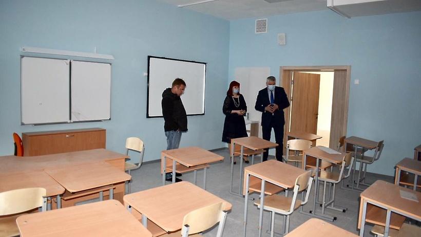 В Балашихе проконтролировали ход строительства пристройки к школе в микрорайоне Кучино