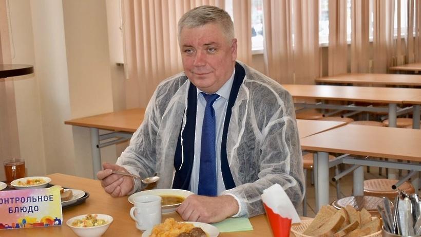 Организацию и качество горячего питания проверили школах №8 и 10 в Балашихе