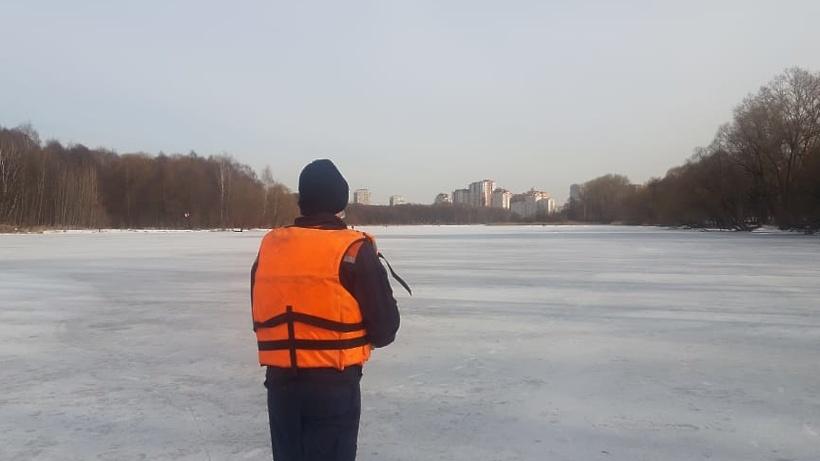 Жителей Балашихи предупредили о промоинах и открытой воде на реке Пехорке