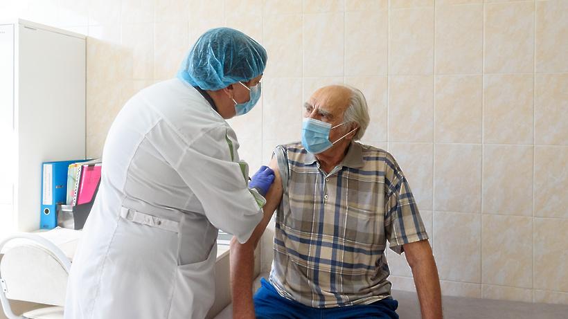 35 жителей Балашихи вакцинировались от Covid‑19 в ТЦ в микрорайоне Железнодорожный