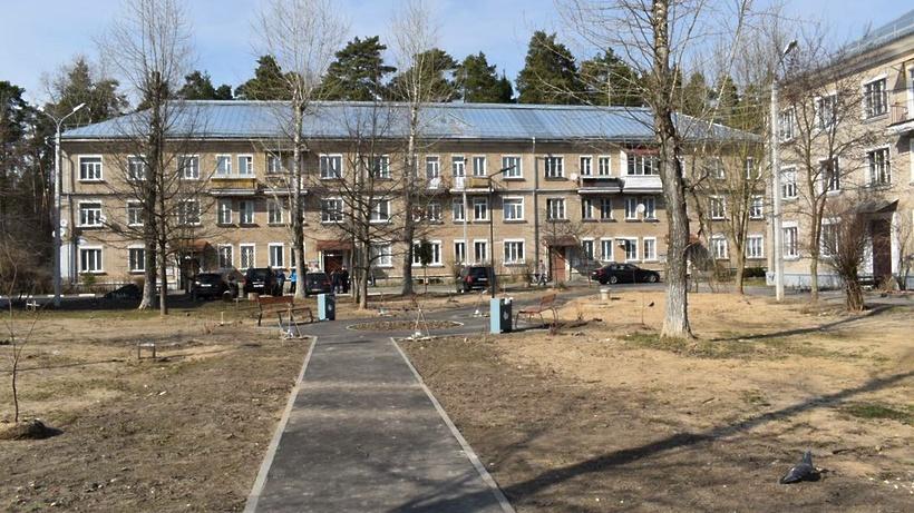 Кровлю дома в микрорайоне Северный Балашихи отремонтировали в полном объеме