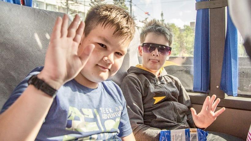 Более 1,2 тыс детей из Подмосковья отдохнут в лагерях на Черном море в третью смену