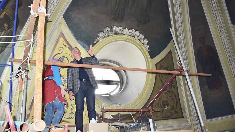 Росписи на стенах и куполе Троицкого храма Балашихи очистили от копоти