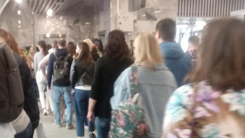 Толпа образовалась на станции МЦД‑2 Нахабино из‑за сбоя на железной дороге