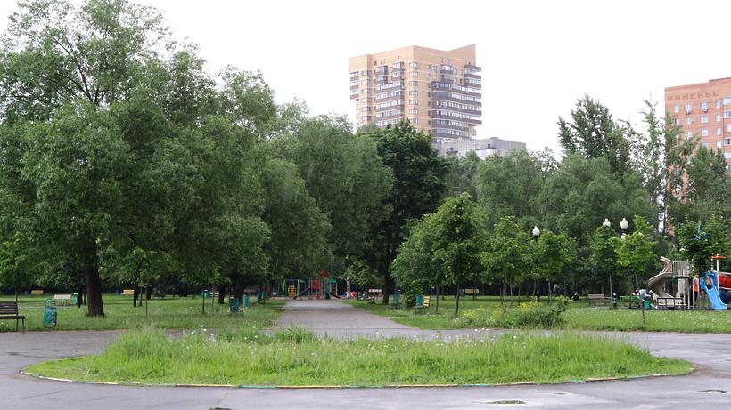 Сквер за ДК «Мир» в Реутове начнут благоустраивать в 2021 г