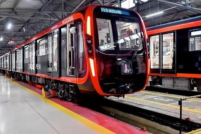 20 собранных в Мытищах новых поездов запустили в столичном метро