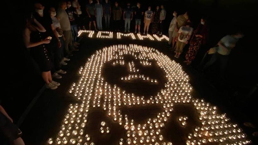 Портрет летчика‑героя Талалихина выложили из свечей в Подольске
