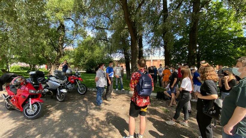 Воспитанники эколагеря Балашихи посидели за рулем трассовых мотоциклов