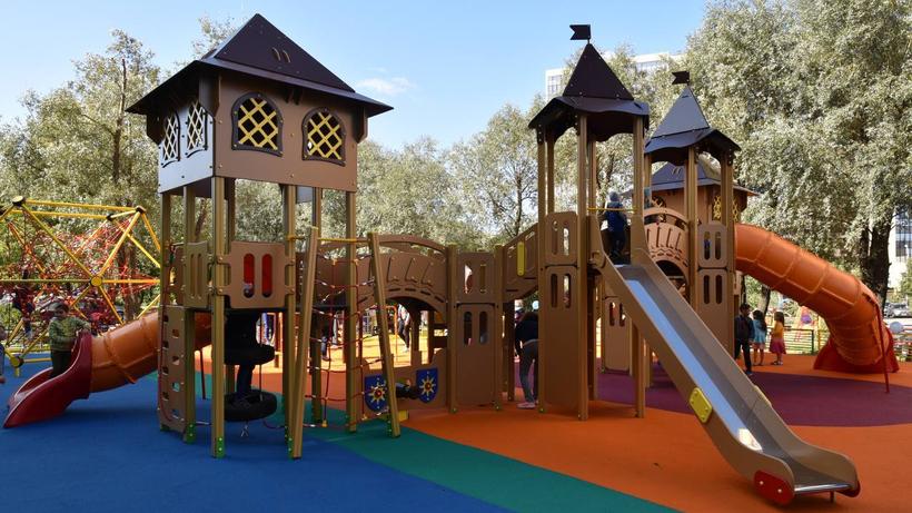 Восемь детских площадок установят во дворах Балашихи в 2022 г