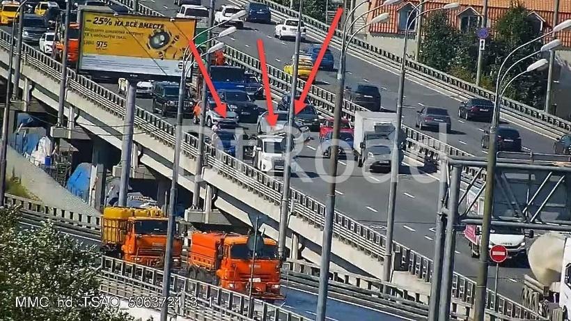 3 авто столкнулись на Звенигородской эстакаде в столице
