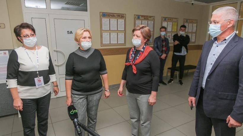 Лариса Лазутина и Дмитрий Голубков проверили работу участков в Заречье и Новоивановском